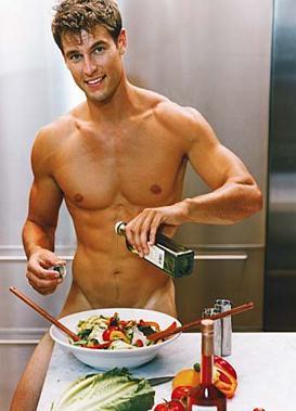 hombres en cocina